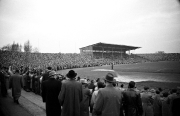 1956/57 VfL-BVB neue Stadiontribüne