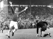 1968 Pokalhalbfinale VfL-Bayern Wiesemes jubelt über das 1:0