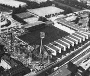 1976 Bau der Westtribüne